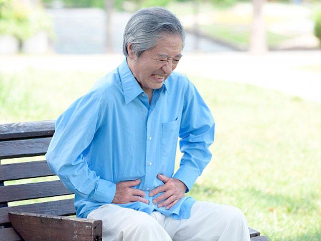 腹部の張りとイライラ症状。医師の判断は?の画像