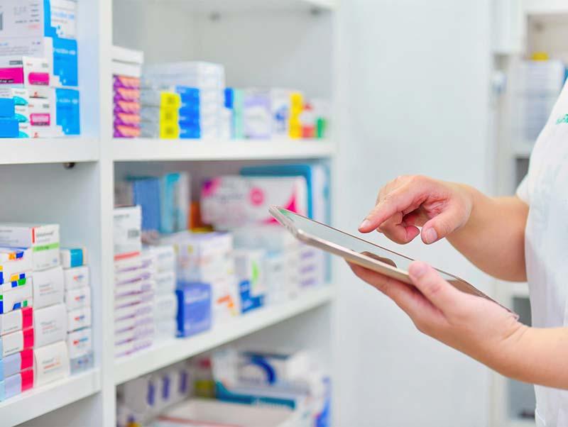 調剤薬局大手5社を徹底比較!年収、働き方や子育て支援の特徴は?